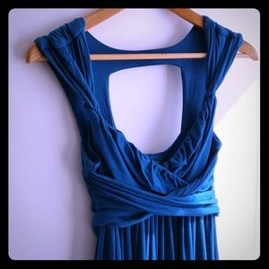 Dresses & Skirts - Flowy teal dress with back cut-out